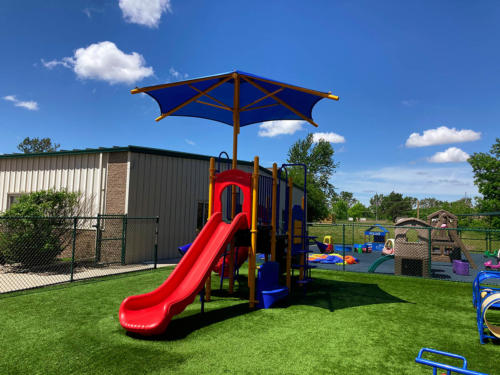 Completed playground and surfacing installation for Whistle Stop Academy